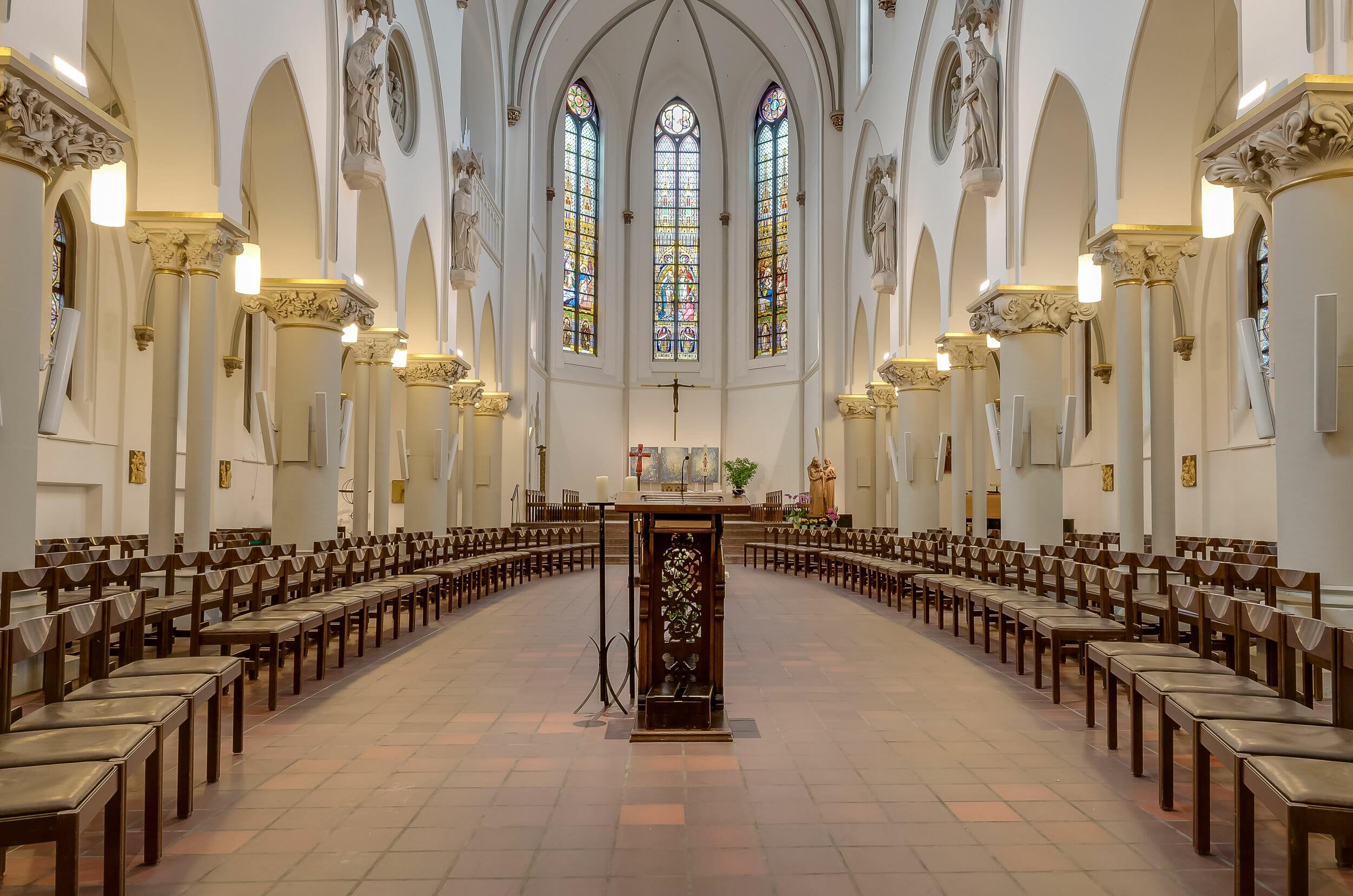 Fotografia Architektury Krzysztof Gołębiowski wnętrze kościoła