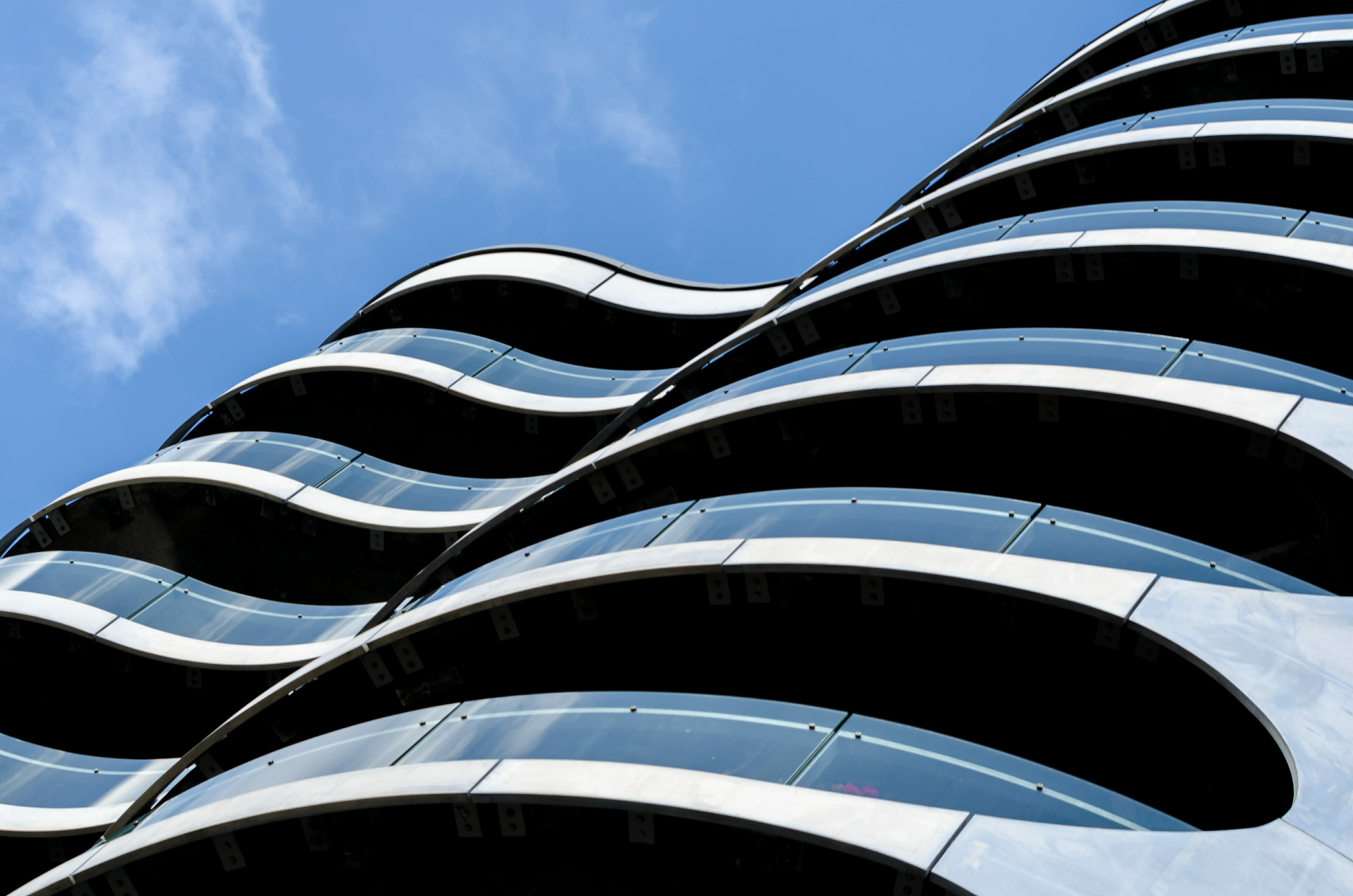 Nieskończone balkony-w niebo- zdjęcia architektury